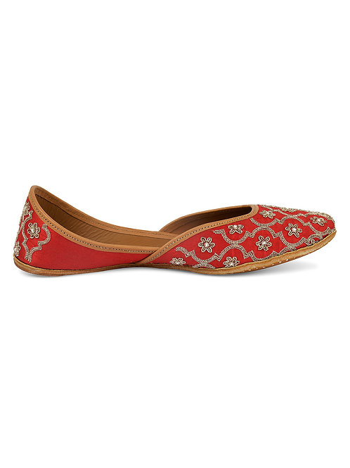 Red Gold Juttis Front