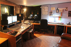 control-room-2-1-1024x683
