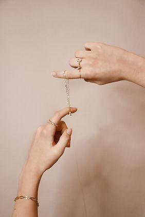 Venez découvrir nos bracelets créés pour vous dans notre atelier de Clermont ferrand