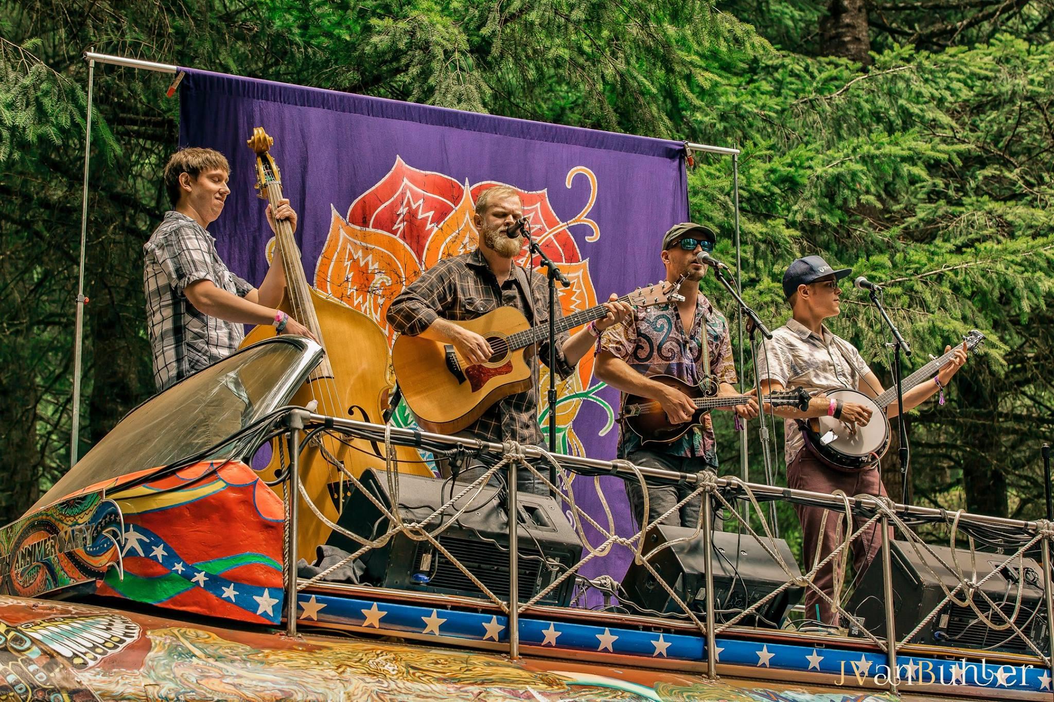 Cascade Crescendo NWSS Further Bus_Credit Jamie VanBuhler