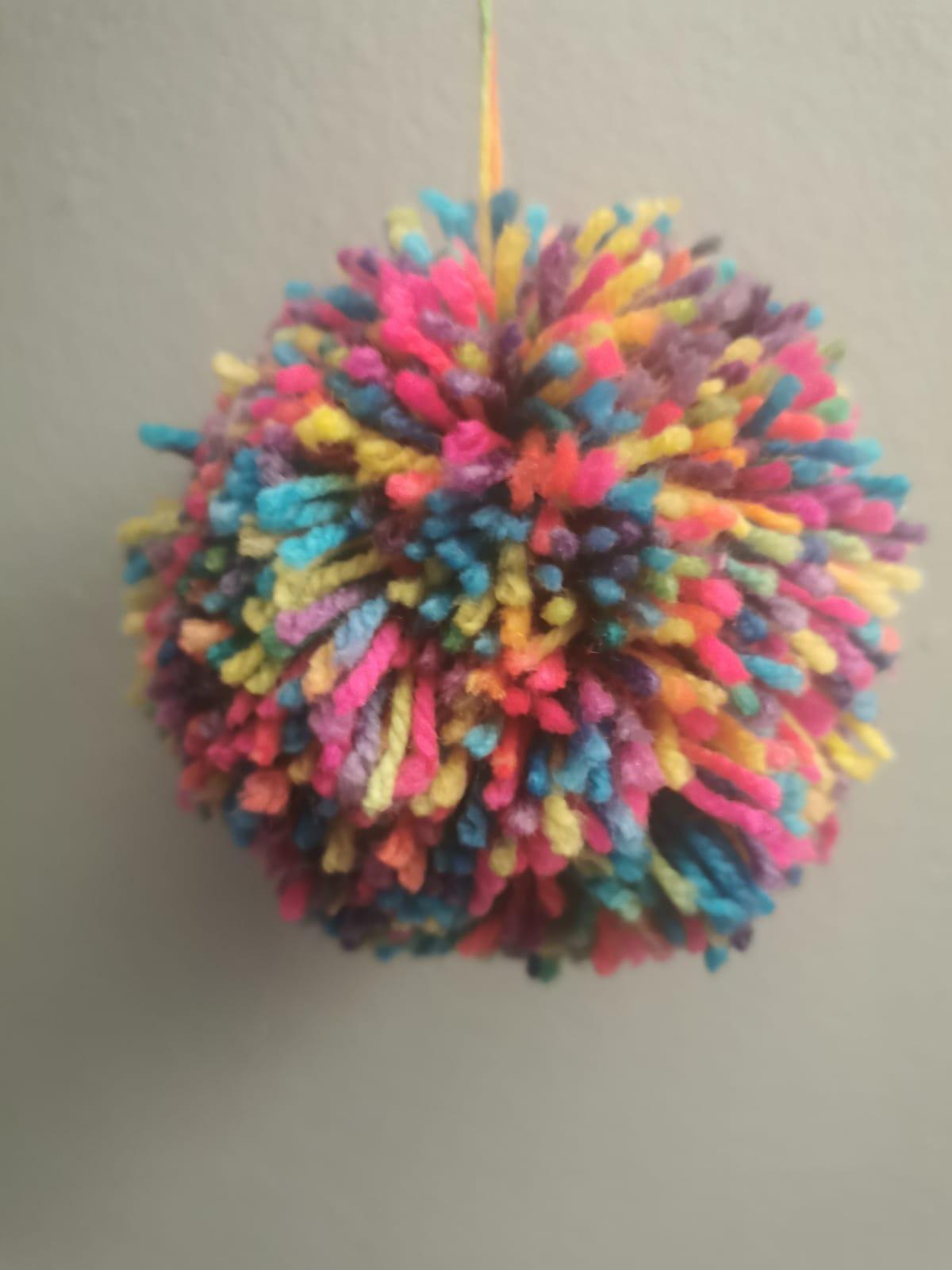 Colour Pom Pom