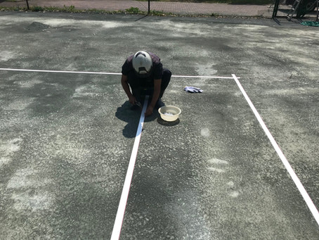 愛知県/テニスコートのラインテープを取り替えました。