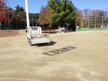 野球場の整備を行いました。