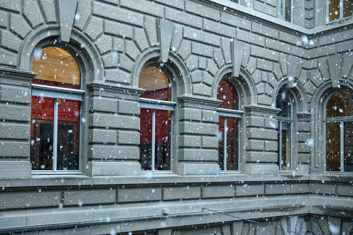 Neige sur le Palais fédéral