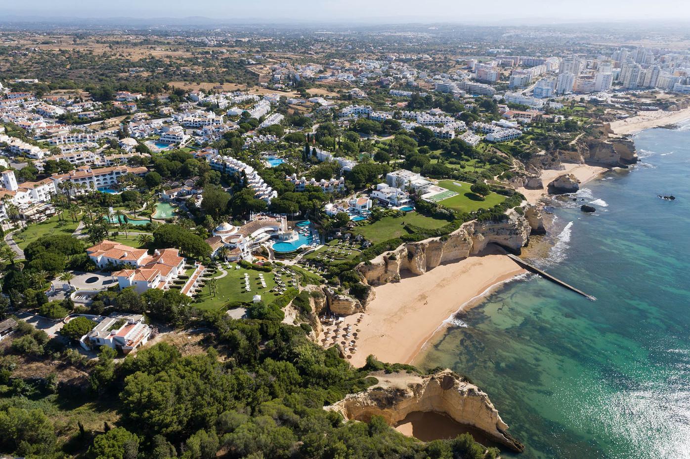 Barlavento litoral com Armação de Pêra ao fundo   |   Lagoa e Silves   |   08 de Julho de 2020