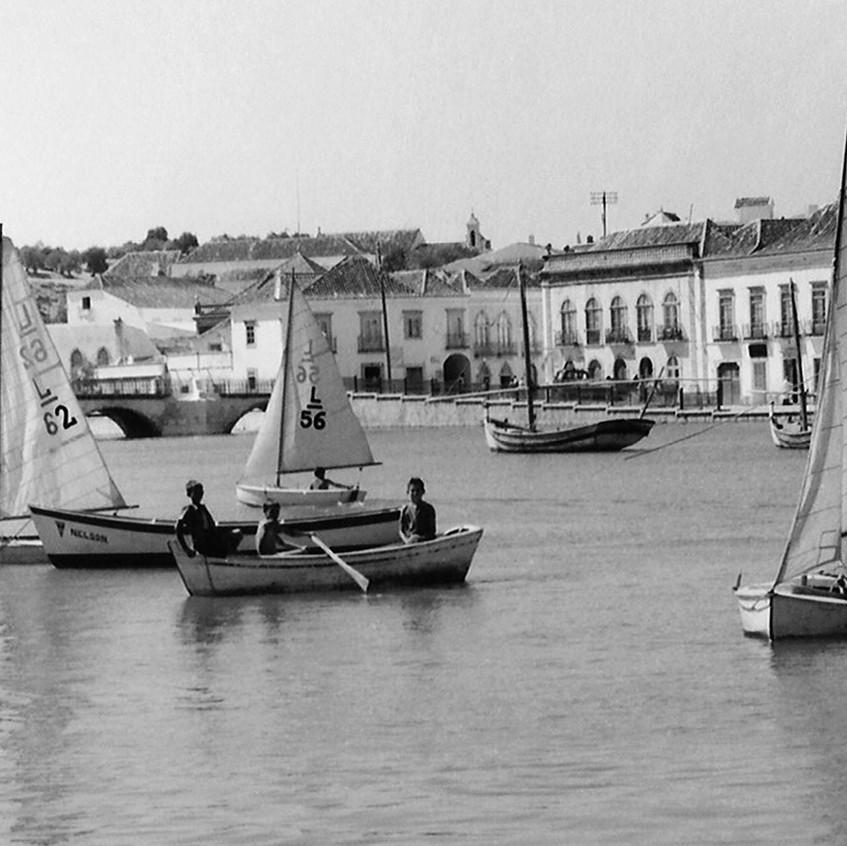 TAVIRA e os ANDRADES • desporto • iniciação à vela com os 'lusitos', no Rio Gilão