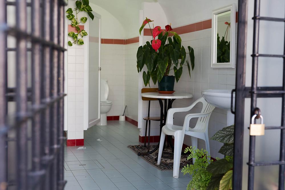 WC feminino do Convento do Espírito Santo, em Loulé.