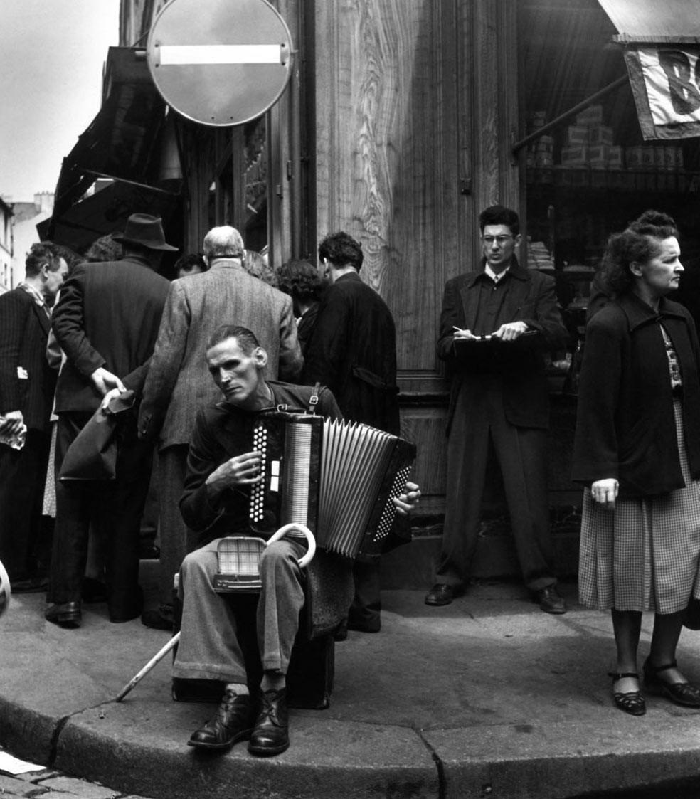L'Accordéoniste de la Rue Mouffetard - foto de Robert Doisneau