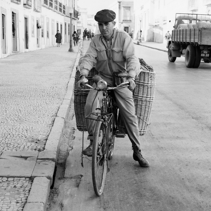 TAVIRA e os ANDRADES • economia • distribuição do pão ao domicílio, em 1956