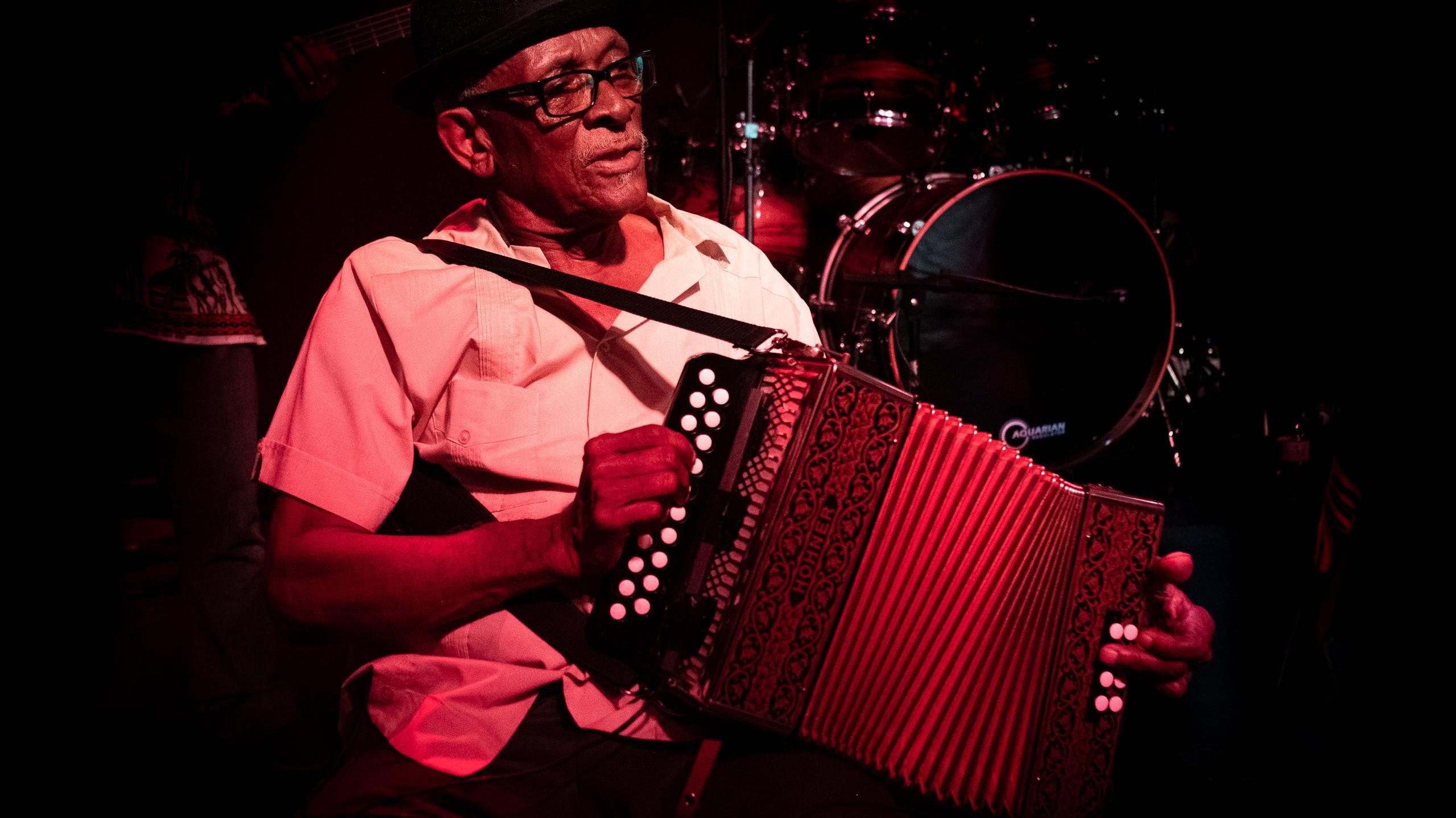 Bitori Nha Bibinha no B.Leza Clube