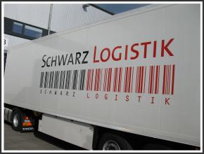 Fahrzeugbeschriftung I Schwarz Logistik I tic promotion