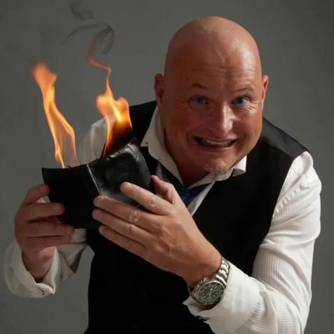 Comedian Close- Up Magician