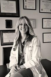 Dr. Kelli Yacono, Internal Medicine