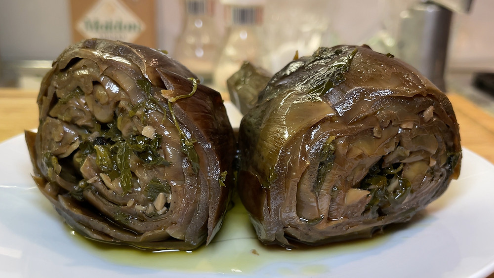 carciofi-carciofo-alla-romana-roman-italian-artichoke-recipe