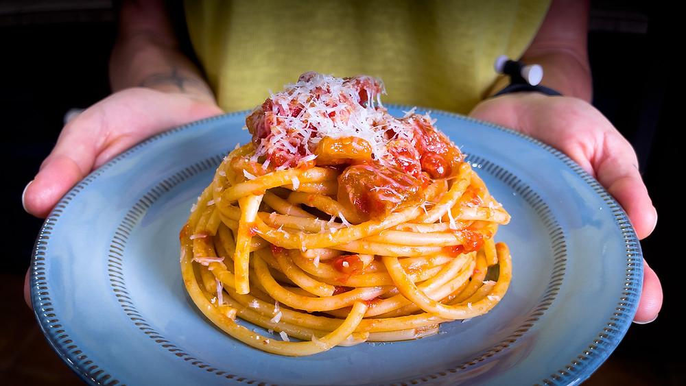 bucatini-all-amatriciana-pasta-recipe-italian-authentic-traditional