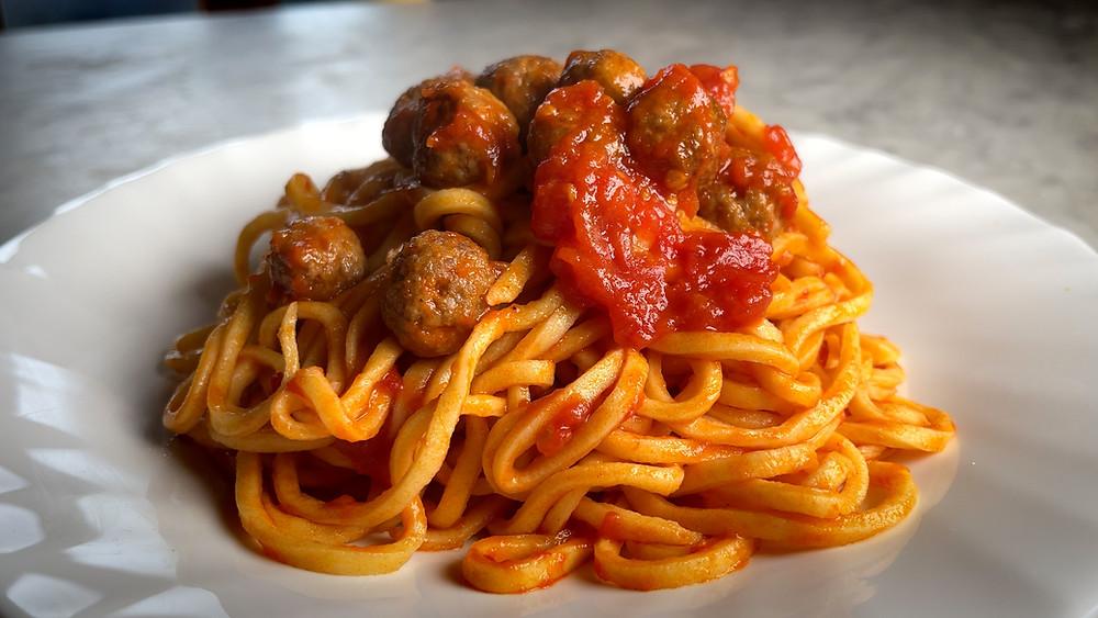 spaghetti-and-&-meatball-s-recipe-with-authentic-italian-alla-chitarra-abruzzo-pallottine-polpettine-teramana