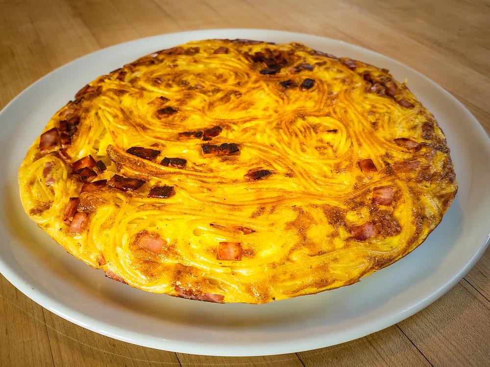frittata-di-pasta-italian-recipe-leftover-spaghetti-egg-omelette