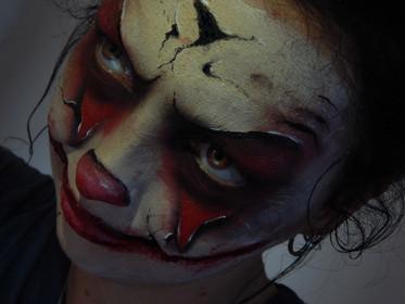 scary clown.jpg