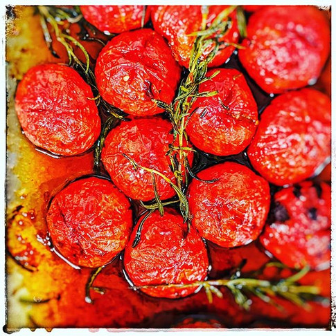 ROASTED WOW FARM TOMATOES WITH HARICOT V