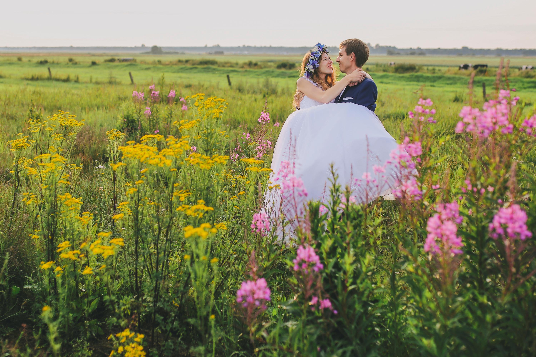 Sesja ślubna na łące Trójmiasto