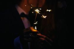 Zimne ognie na sesji ślubnej