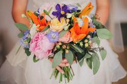 Bukiet ślubny z peonii i lilii