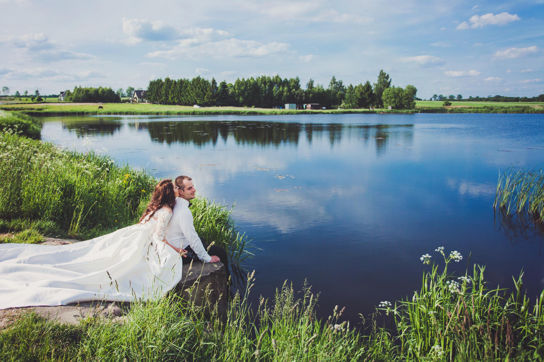 Sesja ślubna nad jeziorem Siedlce