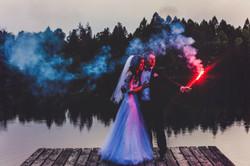 Sesja ślubna świece dymne.