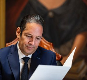 """Francisco Domínguez se despide del gobierno de Querétaro; """"juntos, somos imparables"""""""