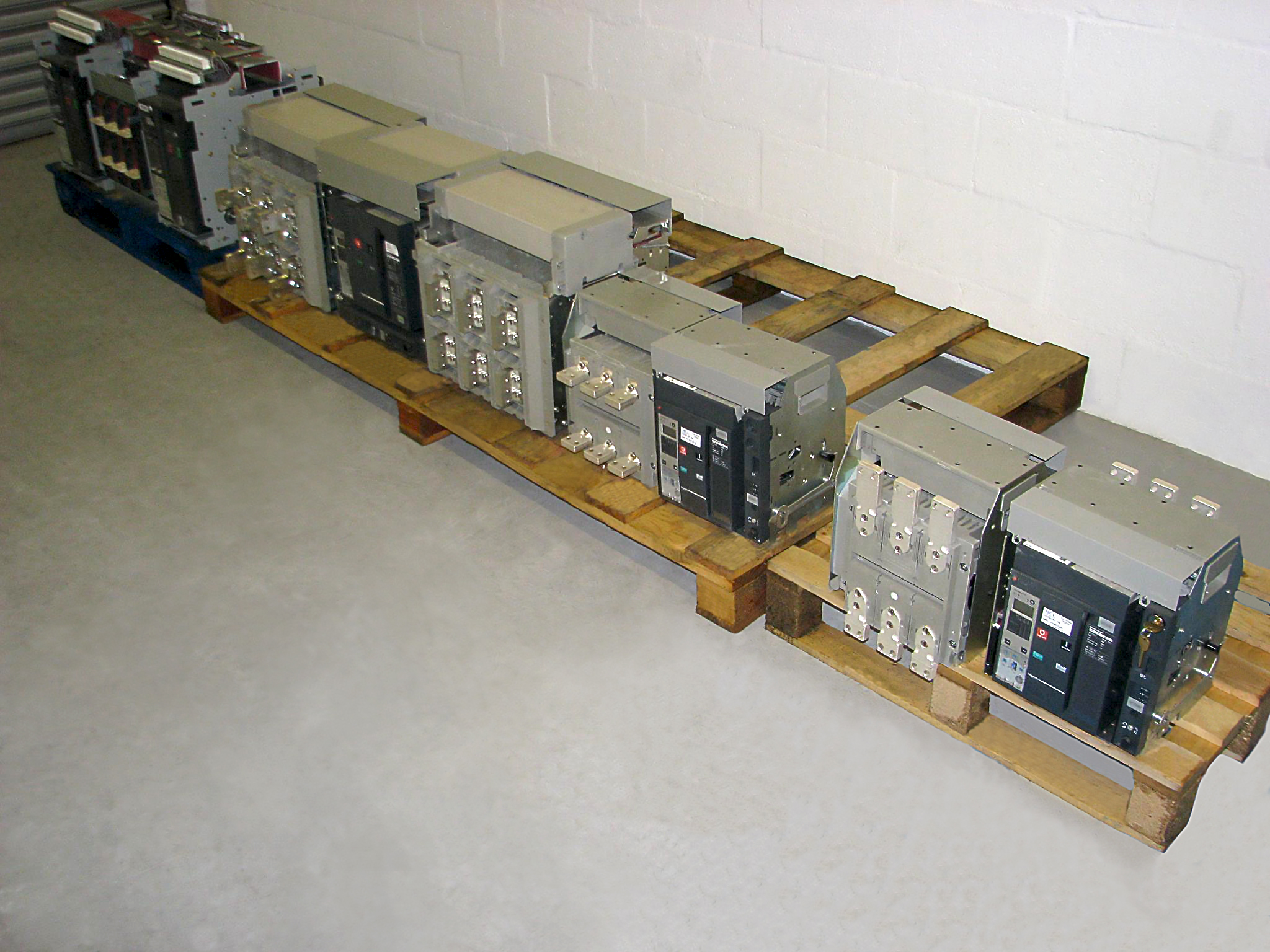 Retrofit Air Circuit Breakers