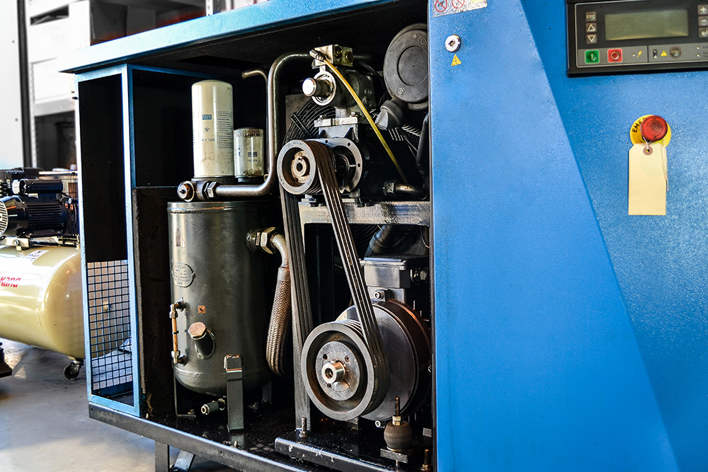 Inside Rotary Screw Compressor (3)