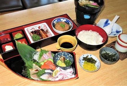 角島海鮮丼