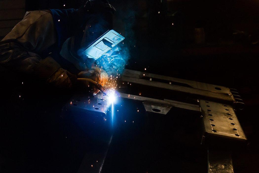 welding-2819144_1920.jpg