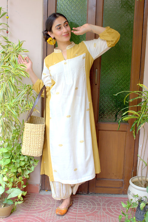 Handwoven Jamdani Cotton Ochre & Ivory Kurta+Pant