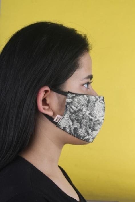 Kiss The Hiss Mask