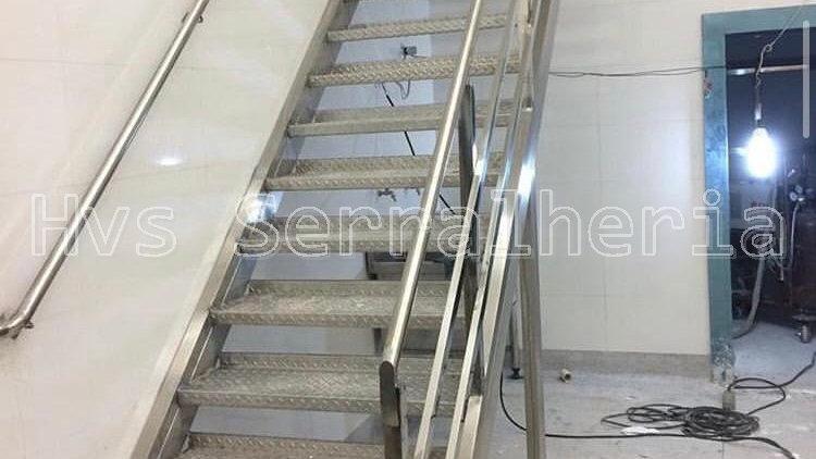 Escada em Aço inox