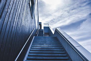 stairway-828883_1920.jpg