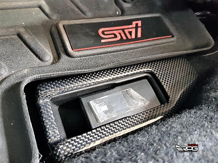 VA/VM Vacuum Carbon Fuel Door Opener Surround Cover
