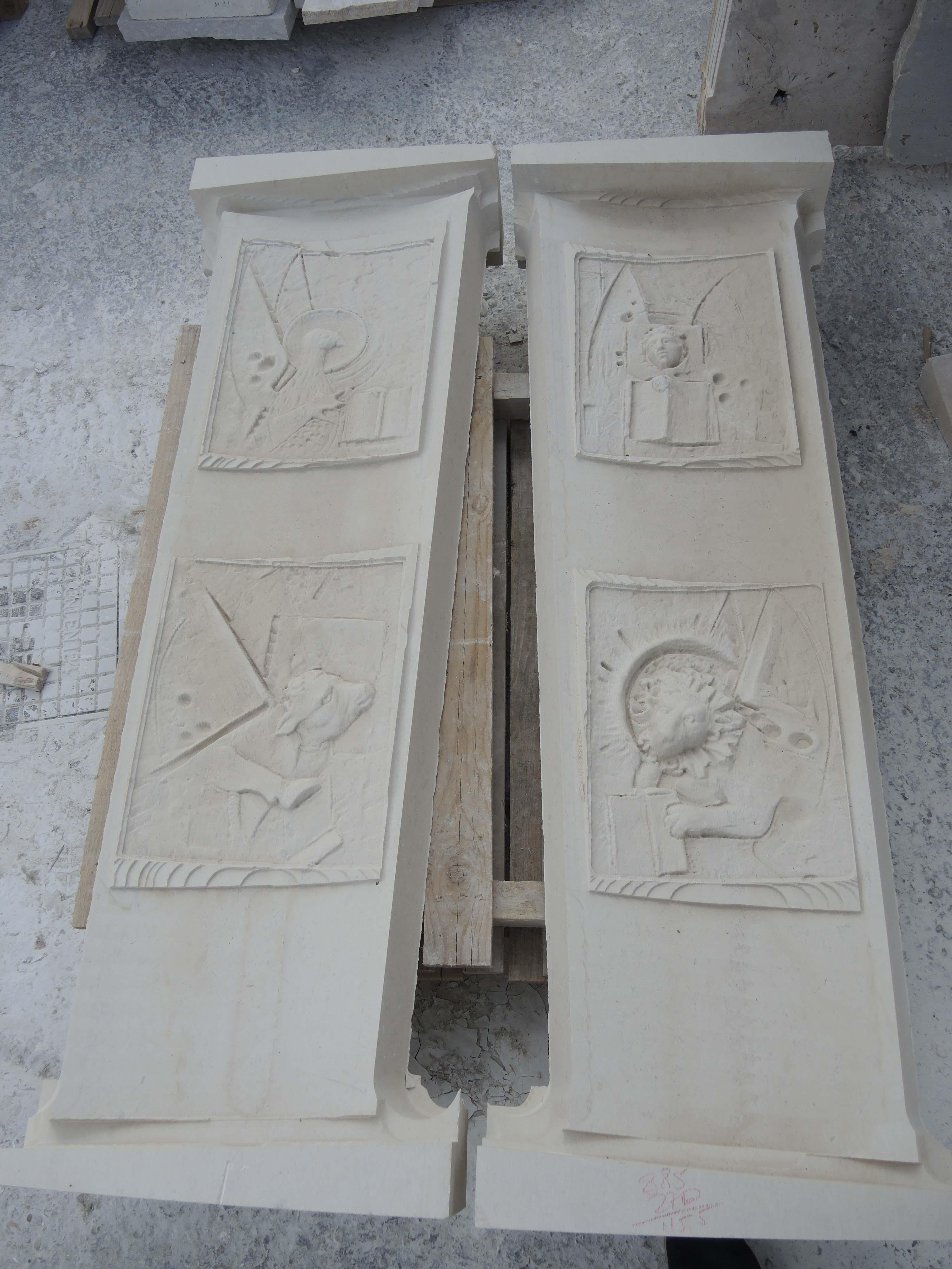 Bassorilievi realizzati in pietra