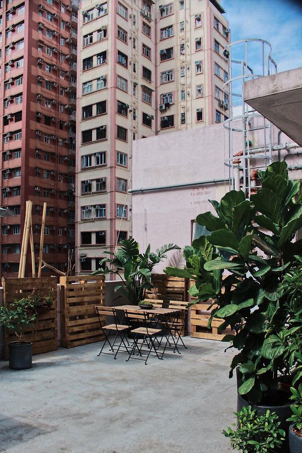 Island rooftop corner.JPG