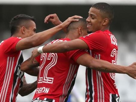 São Paulo joga com time de garotos e vence.