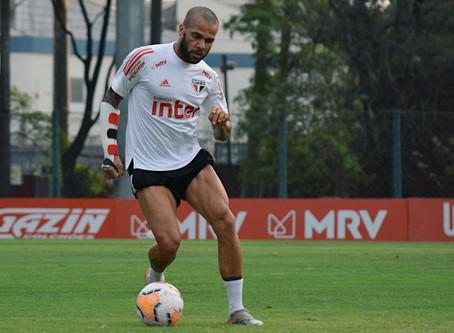 Daniel Alves não deve jogar contra LDU