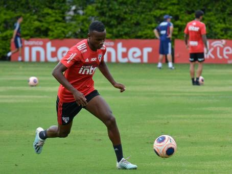 Helinho, do São Paulo, sente desconforto na coxa e fará treinos à parte.