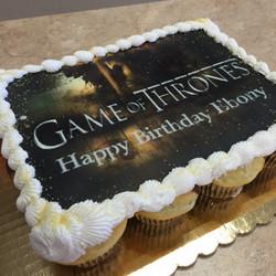 Game of Thrones Cupcake Cake