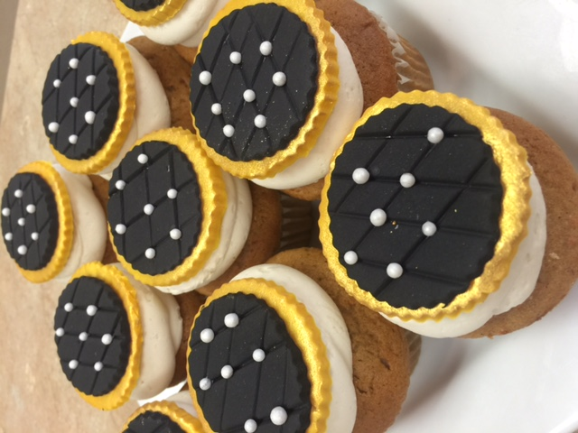 Gold & Black Cupcakes