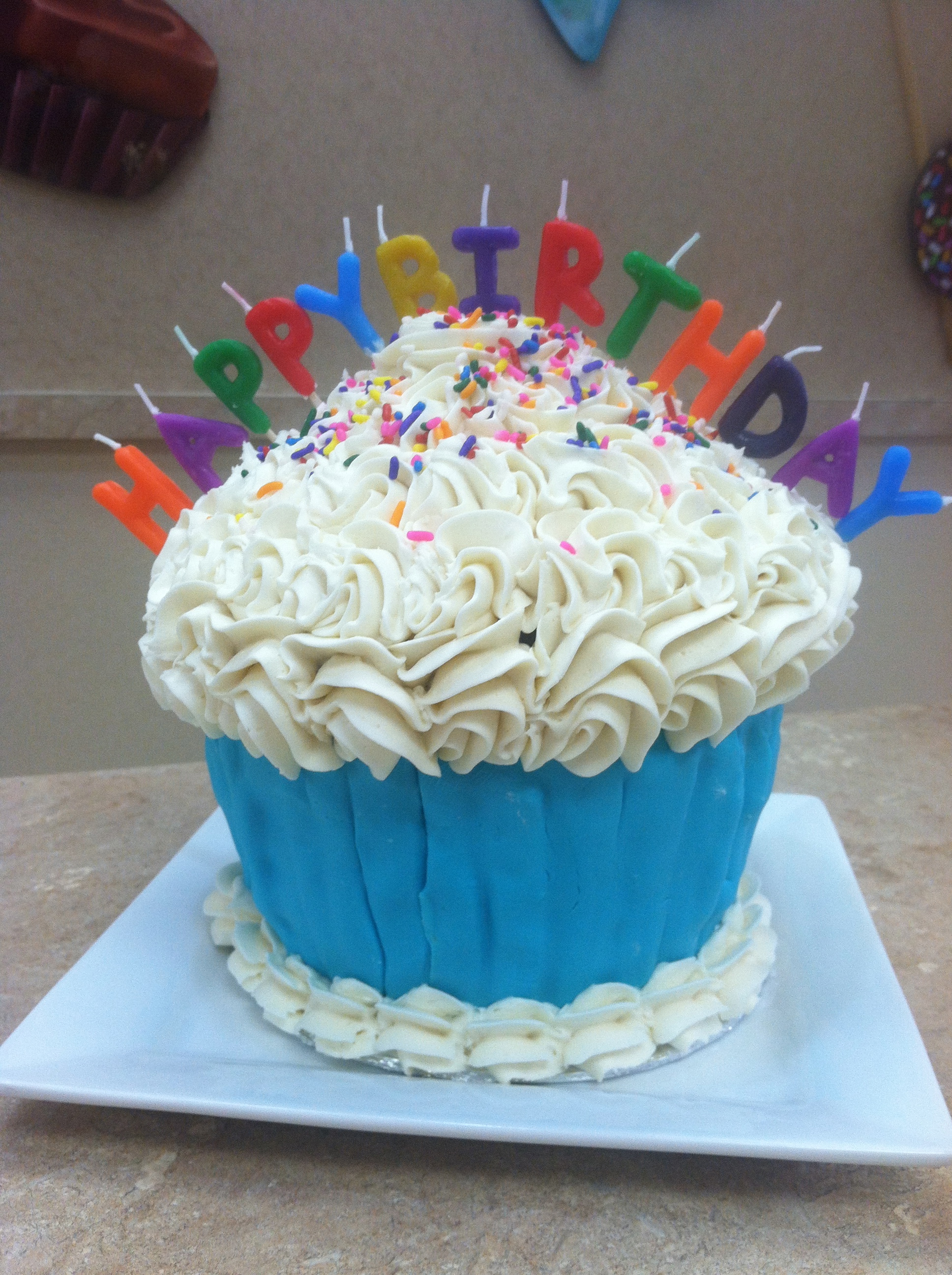 Birthday King Size Cupcake