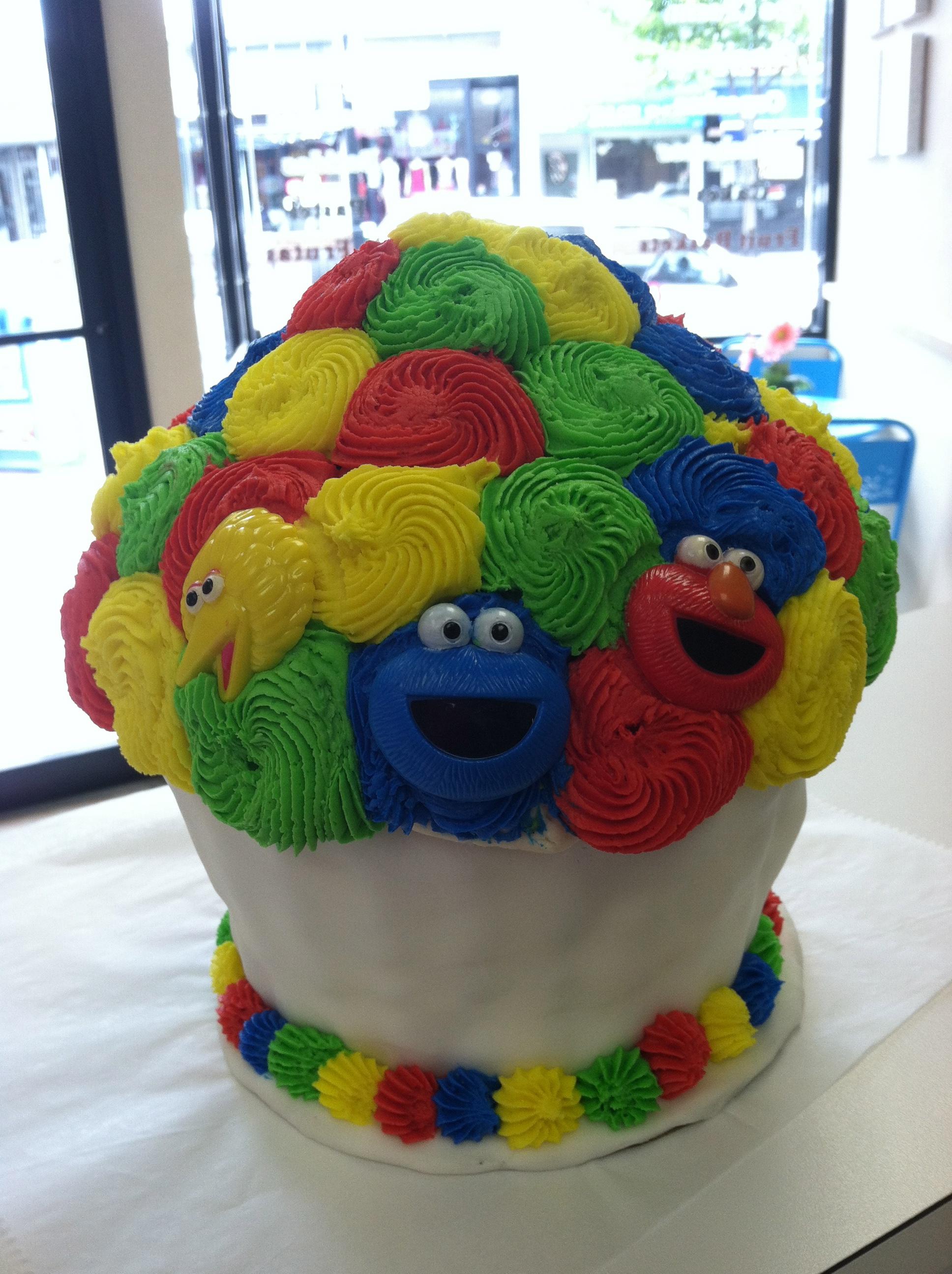 SesameStreet Theme King Size Cupcake