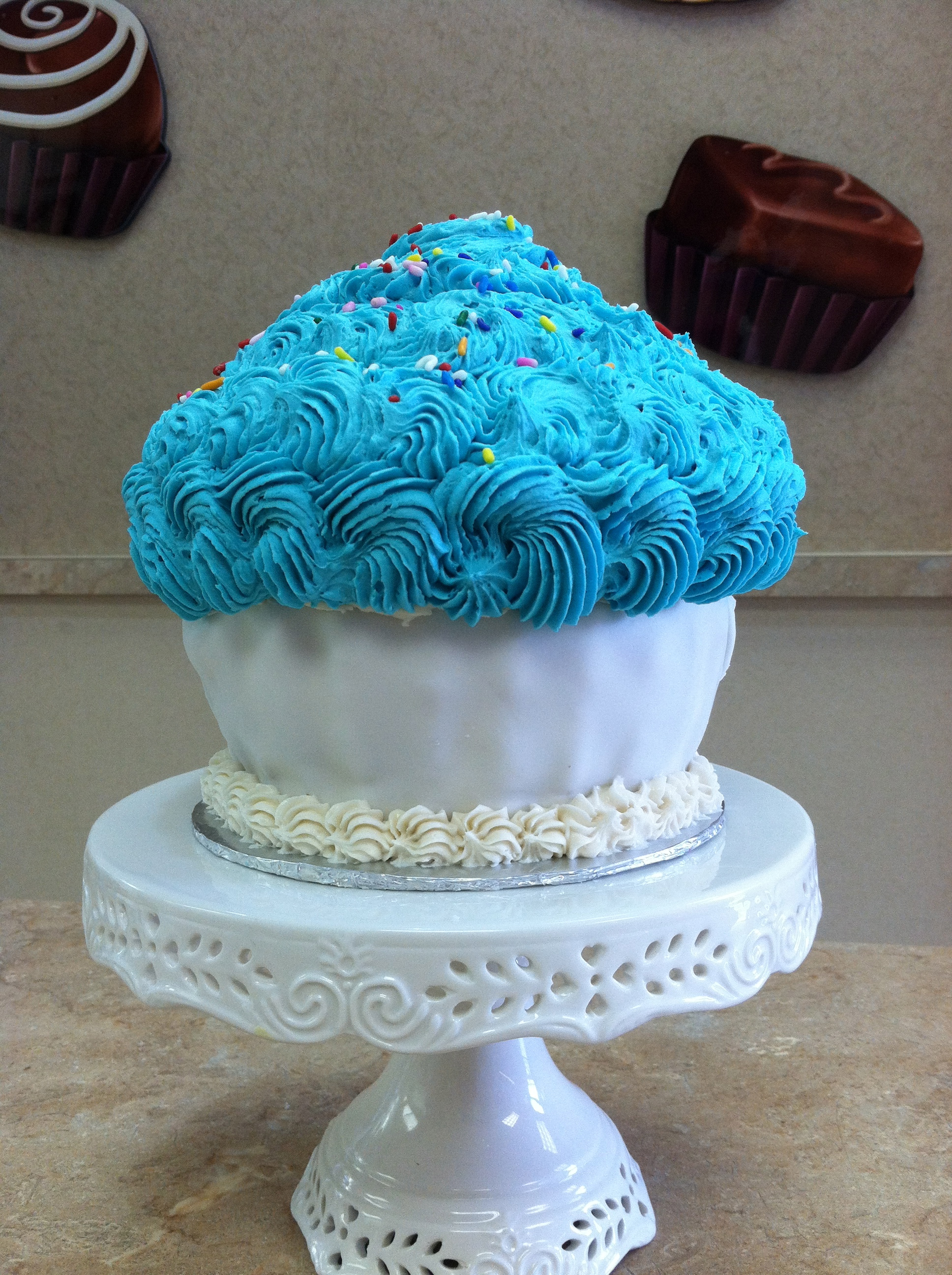 Blue King Size Cupcake