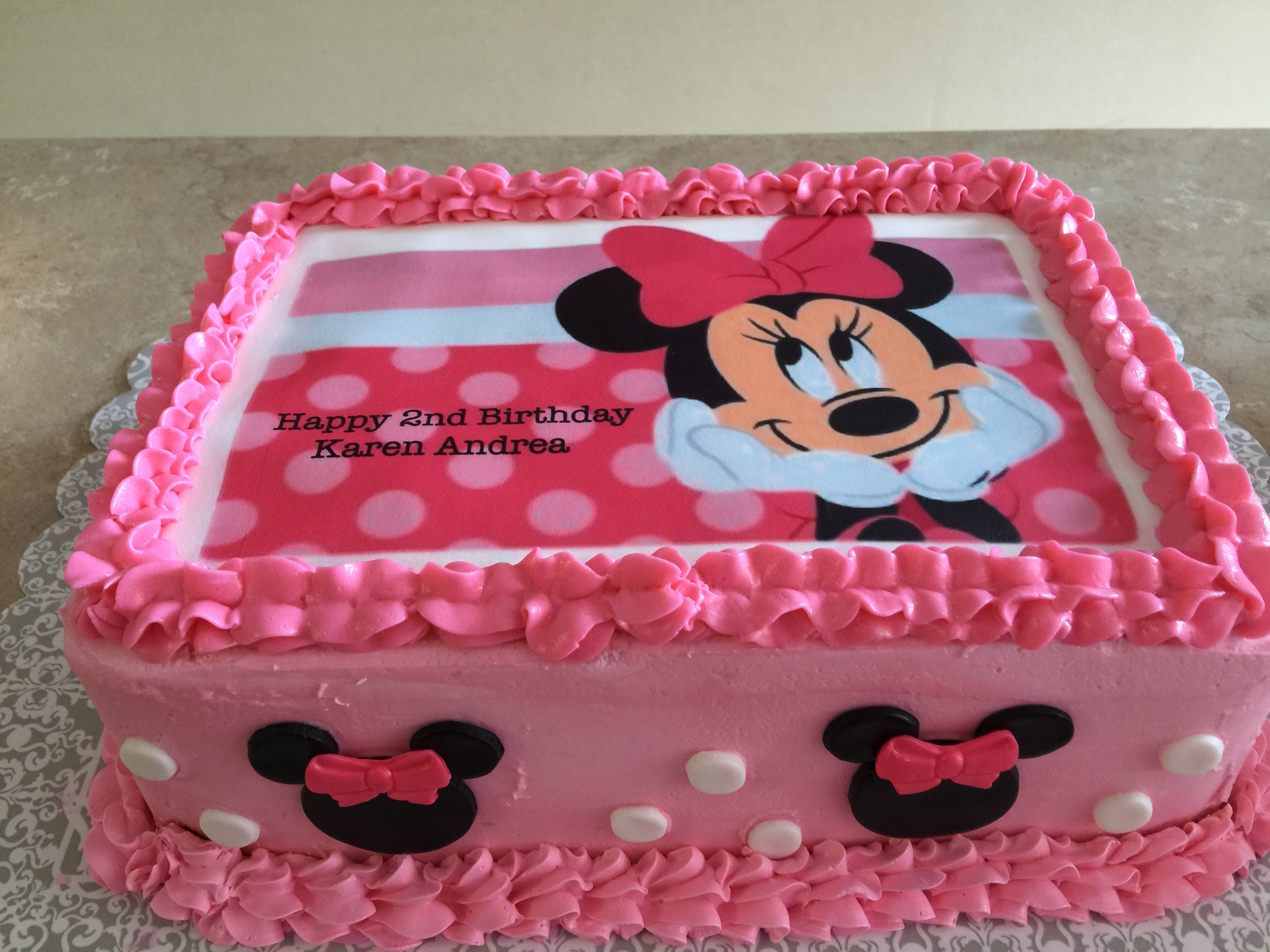 Minnie Mouse Buttercream Cake