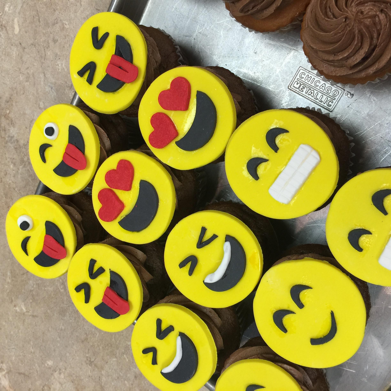 Emjoi Cupcakes